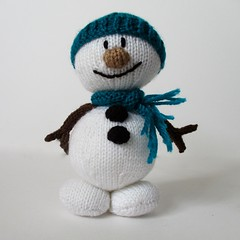Mr Snowman (Knitting patterns by Amanda Berry) Tags: christmas xmas decorations white snow amanda man wool festive toy toys snowman berry knitting holidays doll dolls pattern patterns crafts decoration knit fluff yarn snowmen download knits knitted decor fuzz woolly knitters knittings xmassy pattenr ravelry