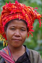 Pao woman portrait   Burma (fvazeilles71) Tags: portrait people pentax burma myanmar pao birmanie birmania
