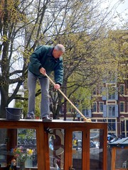 Be Careful (Quetzalcoatl002) Tags: roof amsterdam work boat houseboat cleaning maintenance scrubbing