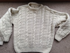 Textured aranstyle sweater (Mytwist) Tags: irish white heritage classic wool fashion fetish vintage cozy sweater fisherman warm fuzzy cream ivory craft passion fishermans heavy oats honeycomb aran timeless authentic handcraft chunky crewneck vouge handknitted cabled aransweater handgestrickt aranjumper aranstyle