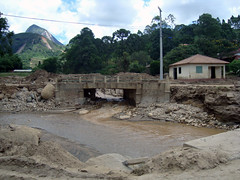 Friburgo-Terespolis highway affected by the 2011 disaster, Rio de Janeiro, Brazil. (WATERLAT-GOBACIT) Tags: brazil water brasil grande agua campo disasters terespolis desastres rodejaneiro