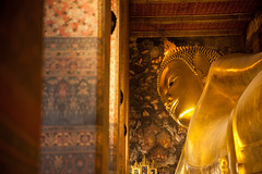 Thailand - Reclining Buddha - Wat Pho (Cyrielle Beaubois) Tags: thailand temple gold bangkok buddha or buddhism palace thalande asie reclining wat lying pho bouddhisme 2015 canoneos5dmarkii cyriellebeaubois