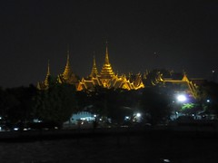 Buildings, Temples and Palaces alongside the river (jlarsen2006) Tags: cruise music night dinner buildings thailand evening asia riverside bangkok south east temples chao palaces phraya