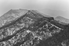 The Great Wall in the Snow (www.daevans.co.uk - Street Photography Workshops i) Tags: china leica winter blackandwhite snow alone summicron bleak greatwall stark