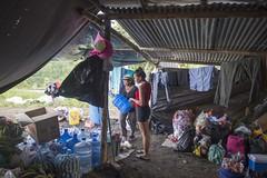 ALBERGUES IMPROVISADOS (FOTOGRAFOS UIO E.T.) Tags: ecuador gente via carmen pedernales terremoto negocio albergues