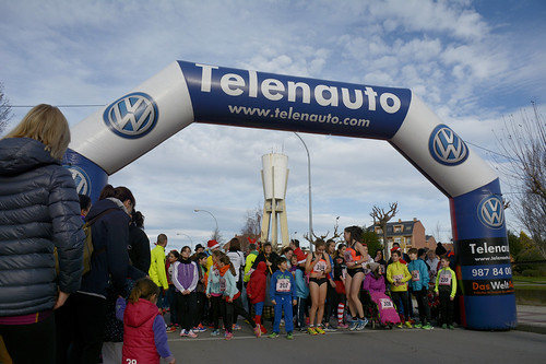 "Carrera popular y premios San Silvestre 2015 La Virgen del Camino • <a style=""font-size:0.8em;"" href=""http://www.flickr.com/photos/66442093@N08/23915928992/"" target=""_blank"">View on Flickr</a>"