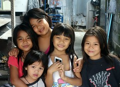 pretty sisters with friend (the foreign photographer - ) Tags: sisters portraits children thailand friend pretty bangkok sony bang bua khlong bangkhen rx100 dscjan232016sony