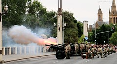 Fire! (Teutonic01) Tags: australianarmy 105mm 21gunsalute 9thbrigade royalaustralianartillery 6th13thlightbattery