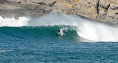 FERNANDO RIEGO / 0840GNW (Rafael Gonzlez de Riancho (Lunada) / Rafa Rianch) Tags: sea mer sports mar rocks surf waves surfing cliffs olas rocas cantabria deportes laisla ocano acantilados santamarina