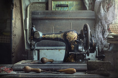 The Machinist (andre govia.) Tags: wood light urban house abandoned window kitchen vintage dead demo photography jones photos decay farm sewing rustic machine andre creepy urbanexploration singer planet ghosts dust derelict decayed webb sawing urbex decayedbuildings urbanexplorers govia urbexabandoned andregovia
