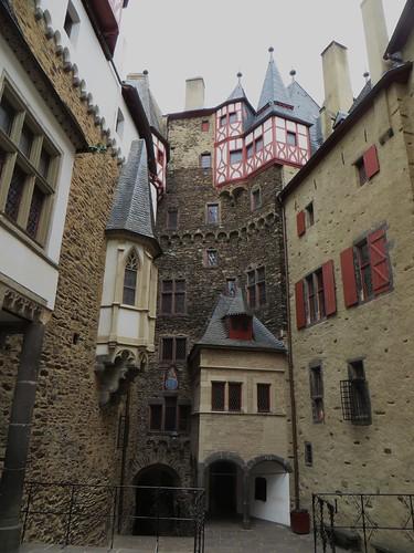 Au château d'Eltz, Wierschem, massif de l'Eifel, Rhénanie-Palatinat, Allemagne.