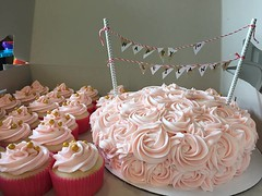 Rose cake and cupcakes, Northern Utah, www.birthdaycakes4free.com