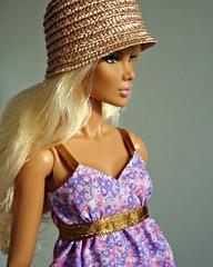Blonde with hat (Deejay Bafaroy) Tags: pink portrait hat fashion toys doll dress purple barbie rosa portrt lila hut lilac blond blonde fr oldpink royalty puppe violett integrity kleid subjecta altrosa duskypink stylelab antiquepink colorinfusion