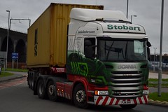 Stobart H6913 PJ14 RHV Blythe Jackie at Widnes 5/2/16 (CraigPatrick24) Tags: road truck cab transport container lorry delivery vehicle trailer scania logistics widnes stobart eddiestobart skeletaltrailer stobartgroup scaniar450 h6913 blythejackie pj14rhv