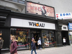 Who A. U. (wheeltoyz) Tags: new york city apple yellow square store big you who manhattan cab taxi broadway u macys times herald a