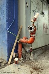 Street view (pietschy.de) Tags: eye trash hydrant paper israel telaviv streetphotography plastic firehydrant waste papier  auge mll holyland abfall florentine coffecups hydranten kaffeetassen  shapira    documentaryphotography    zerowaste theeyeseeseverything   dokumentarfotografie     stefaniepietschmann