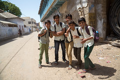 School boys in Bhuj, Gujarat, India. (cookiesound) Tags: travel school india smile kids canon children photography friendship documentary streetlife schooluniform gujarat bhuj travelphotography happyfriends traveldocumentary travelphotographer cookiesound nisamaier ullimaier