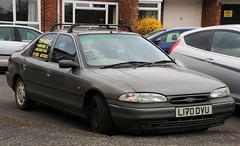L170 DVU (2) (Nivek.Old.Gold) Tags: ford painting 1993 decorating 18 lx mondeo 5door 16v teridec
