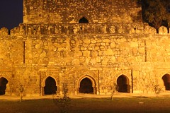more amazing ruins (olive witch) Tags: park india night outdoors ruins delhi january portfolio sodium 2016 jan16 abeerhoque