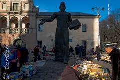 flea market lviv (Carsten Bartmann) Tags: lviv ukraine ukraina ucraina lemberg lwow