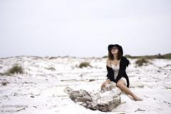 Viola (SoloImmagine) Tags: sea girl hat sand mare diary lingerie viola diario cappello sabbia sottoveste spiaggebianchespiaggebianche