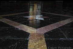 Geometra por los suelos... (Carhove) Tags: light luz valencia marmol geometria rombo pavimentos
