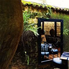 #Hipstamatic #Lowy #Irom2000 #TripleCrown #Flickr #ceylon #lunch #restaurant #gallery #sri_lanka #colombo (Bruno Abreu) Tags: instagram ifttt