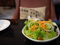 P4172955 (tatsuya.fukata) Tags: food thailand book cafe samutprakan steelroses
