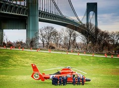 U.S.Coast Guard helo/Fort Wadsworth #teamcanon #canonbringit... (kristymartinphotography) Tags: coastguard aviation tcc statenisland verrazanobridge shaolin helo uscg 2470mm fortwadsworth coasties semperparatus 5boros teamcanon canon70d uploaded:by=flickstagram nycprimeladies thecreatorclass canonbringit instagram:venuename=fortwadsworth instagram:venue=505637271 instagram:photo=12283885264421650662013464107