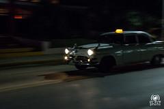 Coche en la noche (andrea.prave) Tags: old car night vintage de noche nacht alt cuba machine coche caribbean macchina notte antiguo kuba vecchio mquina maschine caribe caraibi  carabes karibik           ag