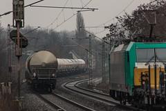 0408_2006_02_19_Gelsenkirchen_Bismarck_DB 294 630_mit_Kesselzug_Wanne_Eickel_ITL_6186_246_mit_Langschienenwagen_Abz_Crange (ruhrpott.sprinter) Tags: railroad train germany logo de deutschland graffiti diesel 628 outdoor g natur eisenbahn rail zug db cargo 186 e nrw passenger graffito bismarck fret gelsenkirchen ruhr ruhrgebiet dortmund freight coils 403 mak locomotives metropole 928 dorsten itl lokomotive regio sprinter ruhrpott 294 güter 0037 1206 6186 bü akiem reisezug rb43 ellok coilzug captrain reckfeldstrasse