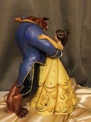Jim Shore Beauty and the Beast (Disney Dolls Fan) Tags: hot beauty yellow statue princess jim prince disney shore figure belle beast tradition figurine bete beautyandthebeast princesse jimshore