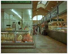 Sao Paulo 14 (misu_1975) Tags: brazil 120 mamiya brasil mediumformat saopaulo market kodak rangefinder meat portra bazar 400asa 400iso mamiya7ii