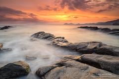 Live (Pruden Barquin) Tags: longexposure naturaleza seascape landscape paisaje fotografia largaexposicion marcantabrico nikond610 prudenbarquin