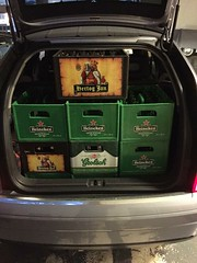 10 kratten bier.. (Wouter Duijndam) Tags: 2004 heineken vol audi a2 grolsch hertogjan kofferbak bierkratten bierkrat 43nnnh