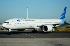 Garuda Indonesia Boeing 777-3U3ER PK-GIE Taxi (Mark 1991) Tags: amsterdam boeing schiphol 777 ams garuda schipholairport 777300 amsterdamairport amsterdamschiphol 777300er amsterdamschipholairport garudaindonesia pkgie