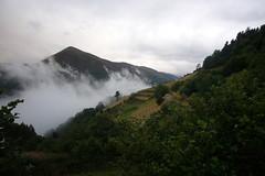 Paso de nubes (juanrgallo) Tags: asturias tineo asturien burgazal cuartodelosvalles picobraniego