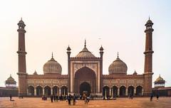 Jama Masjid   Delhi (Hadi Zaher) Tags: travel india tower tourism architecture minaret delhi grand mosque dome masjid emperor shah jahan jama