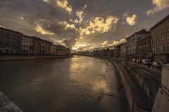 (Kekko2012) Tags: sunset panorama clouds canon tramonto nuvole pisa arno toscana acqua 1020 controluce lungarno 700d