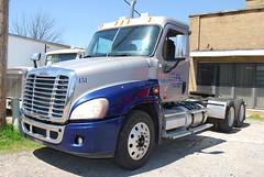 2008 Freightliner Cascadia Semi Truck Inspection - Forrest City, AR 004 (TDTSTL) Tags: truck inspection semi 2008 semitruck cascadia freightliner forrestcityar
