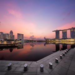 Rays-at-Merlion (yimING_) Tags: building architecture landscape cityscape mbs jubileebridge gardensbythebay singaporeflyer marinabaysands canontse17mmf4l canon17mmtse canontse17mmf4ltiltshiftlens canoneos5ds canoneos5dsr verticalpanostitch
