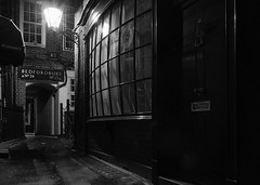 Diagon Alley (Da_vina) Tags: dark alley nighttime gaslight londonnight