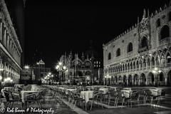 20110329_9795_Venetie-bw (Rob_Boon) Tags: venice cityscape zwartwit nacht italie venetie sanmarco cityarchitecture robboon silvefpro2
