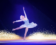 Disney on Ice_-_crd. Copyright Feld Entertainment (5) (rvore de Comunicao) Tags: elsa letitgo