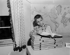 Des Moines Register Collection0225.jpg (The Digital Shoebox) Tags: original boy blackandwhite vintage found ebay kodak memories iowa retro desmoines madeinusa encyclopedias sheetfilm desmoinesregister epsonv700