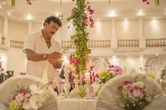 Preparing for wedding (von Renate Bomm) Tags: wedding white flower fiesta blumen srilanka hochzeit saal westernprovince feier dekoration dehiwalamountlavinia