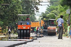 asphalting (DOLCEVITALUX) Tags: road people outdoor labor philippines labour trucks asphalt asphalting