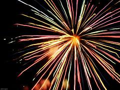Firework explosion (Julho Fraga) Tags: firework fogosdeartifcio