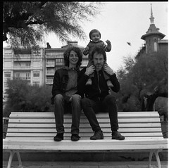 :) (Imanol 6x6) Tags: street portrait blackandwhite bw 120 6x6 film eh rolleiflex mediumformat kodak trix 400 mf nophotoshop sansebastian f28 donostia trl 500x500