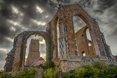 St Andrew's Church, Covehithe. (Linton Snapper) Tags: church canon suffolk ruin standrew covehithe lintonsnapper